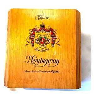 Arturo Fuente-Hemingway-Wooden Cigar Box